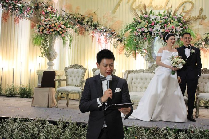 MC Wedding Santika Premier Hayam Wuruk - Anthony Stevven by ENST Couture - 011