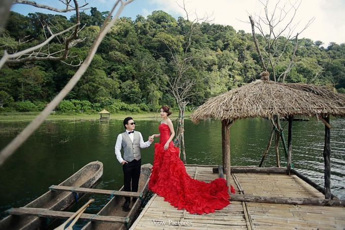 Truly Madly Deeply - Hendratama and Anastasia Prewedding by Antony by Vow Pictures - 009