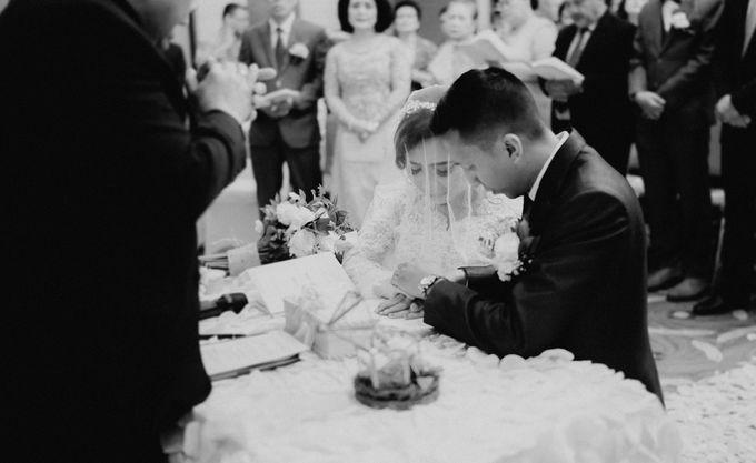 The Wedding of Ezra & Clara by Tandhakala - 011