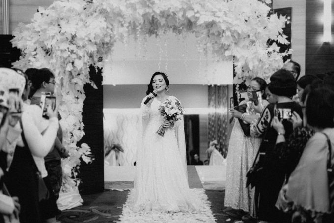 The Wedding of Ezra & Clara by Tandhakala - 027