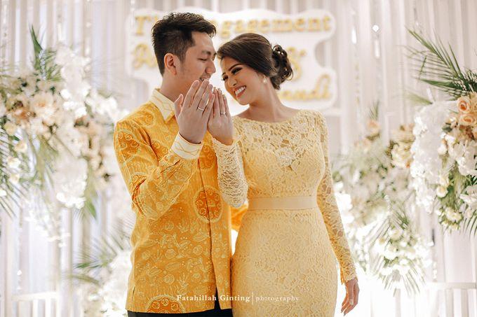 The Engagement of Ariska Putri Pertiwi & Tengku Ryan Novandi by Anaz Khairunnaz - 005