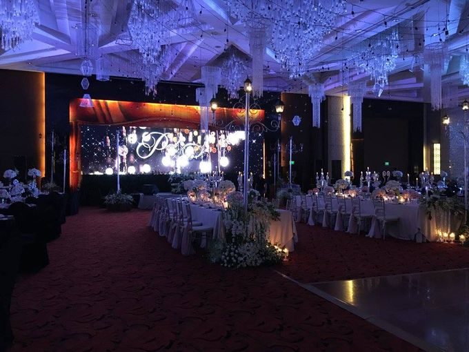 Paul and Robyn Wedding at Sofitel Manila Grand Ballroom by Orange Lights and Sounds Inc. - 008