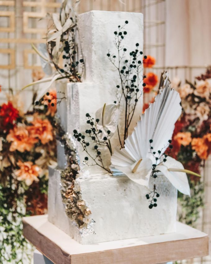 This Wedding is made intimate but not just that, every single details made personal to the bride and groom. In the midst of the pandemic, we understan by KAIA Cakes & Co. - 023