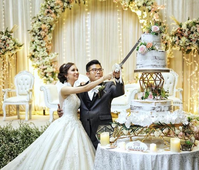 The Wedding of Kesya & Davin at K-Link Tower Ballroom by La Oficio Entertainment - 001