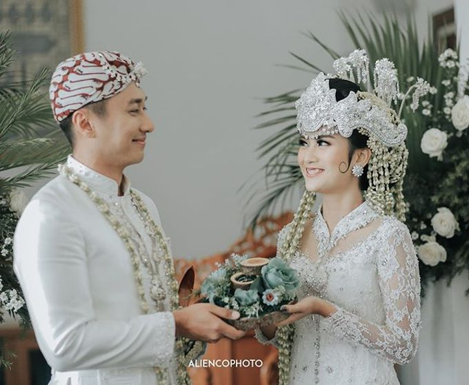 INA & REZCA WEDDING by Seserahan Indonesia - 004