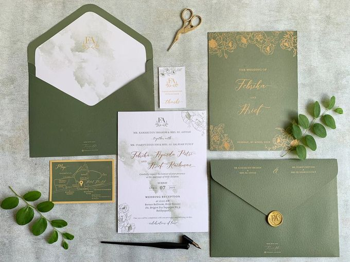 Green Floral by Trouvaille Invitation - 001