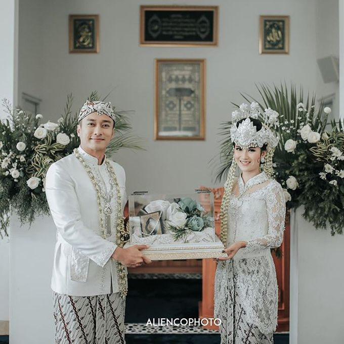 INA & REZCA WEDDING by Seserahan Indonesia - 006
