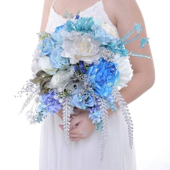 ENCHANTED WEDDING BOUQUET by LUX floral design - 018