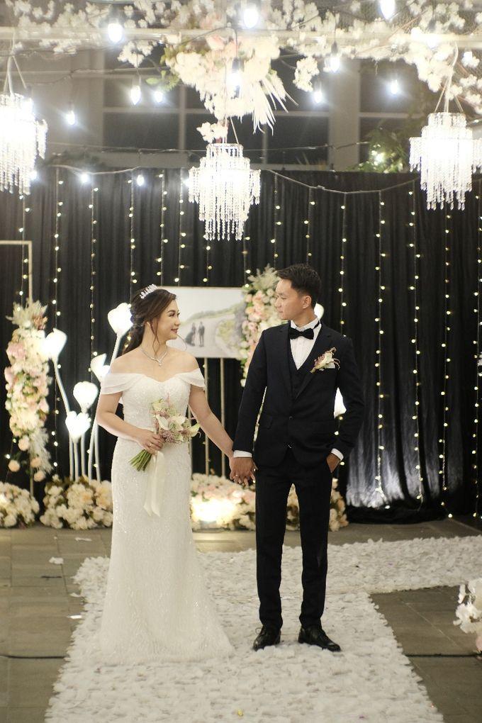 Wedding Of Pratama & Mayliana by Ohana Enterprise - 007