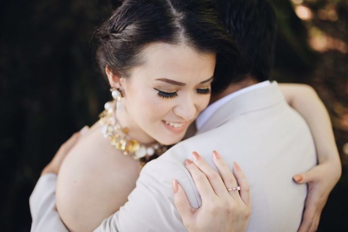 Prewedding Makeup by Putri Bali Makeup - 004