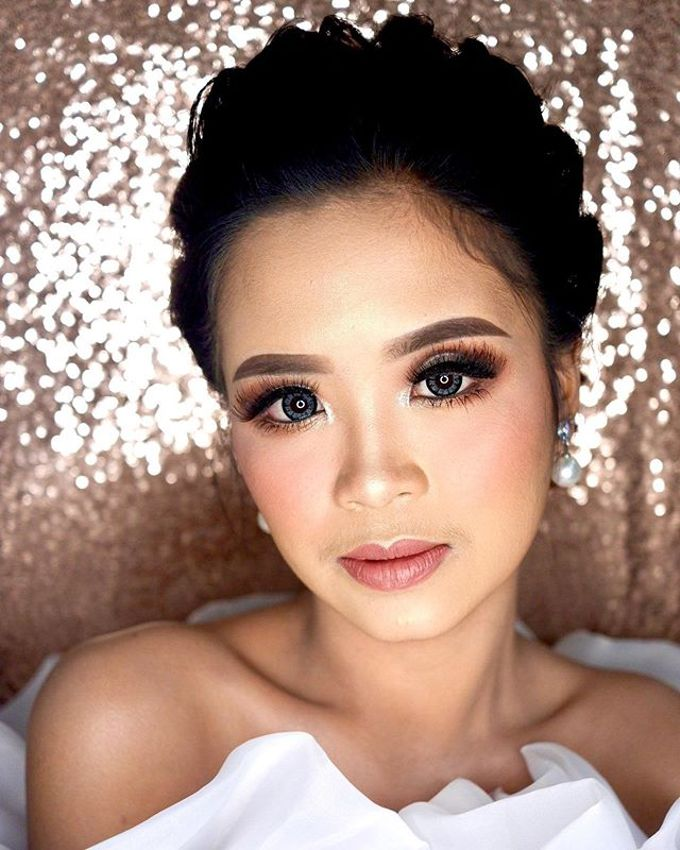 Airbrush Glamour Look - Ms.C by DEV MAKE UP ARTIST - 003