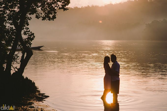 Engagement // prewedding Hendra & Dimitry by diktatphotography - 002