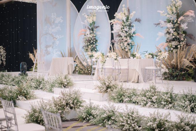 Eva & Fikriel Wedding by Petty Kaligis - 017