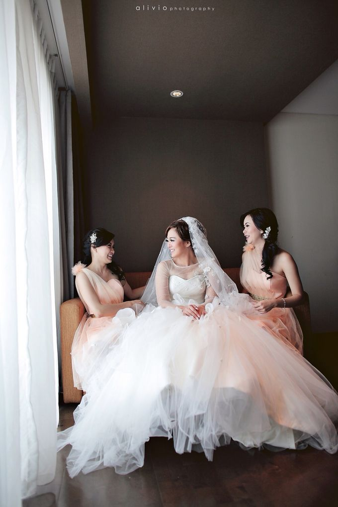 Hendra + natalie   wedding by alivio photography - 008