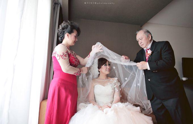 Hendra + natalie   wedding by alivio photography - 010