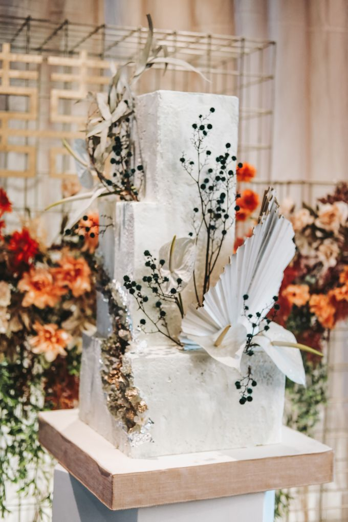 This Wedding is made intimate but not just that, every single details made personal to the bride and groom. In the midst of the pandemic, we understan by KAIA Cakes & Co. - 020