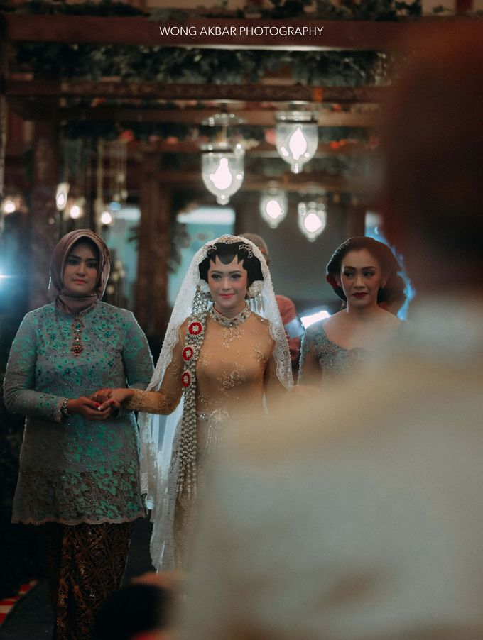 Adhitya Putri & Ridwan Ghany by Wong Akbar Photography - 008
