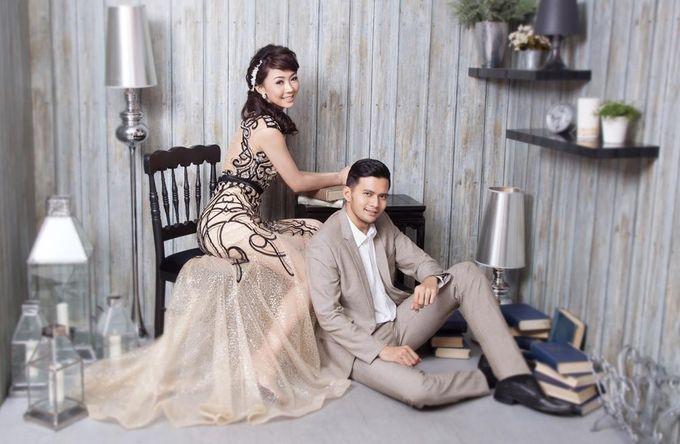 Indoor Prewedding 03 by King Foto & Bridal Image Wedding - 007