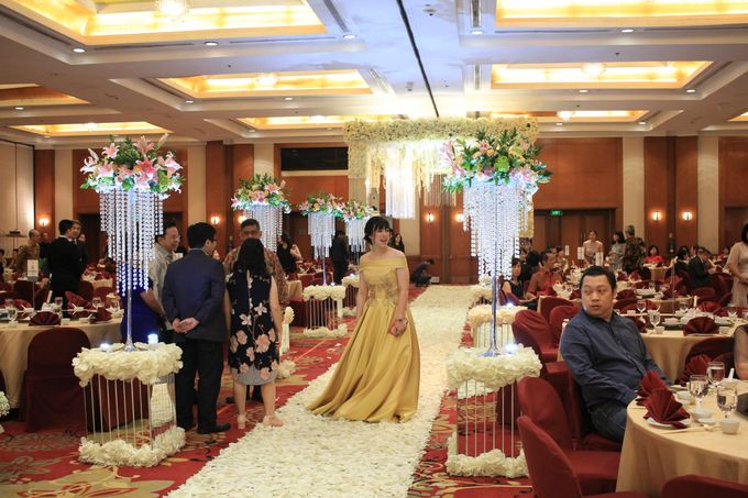 MC Wedding Red Top Hotel Jakarta - Anthony Stevven by Pelangi Cake - 001