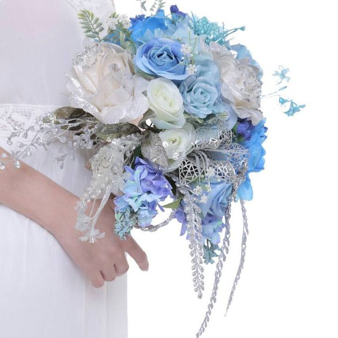ENCHANTED WEDDING BOUQUET by LUX floral design - 019