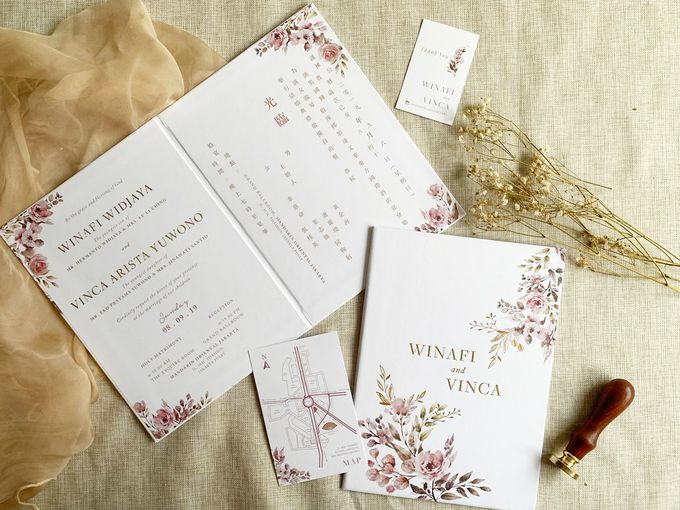 Modern Floral by Trouvaille Invitation - 003