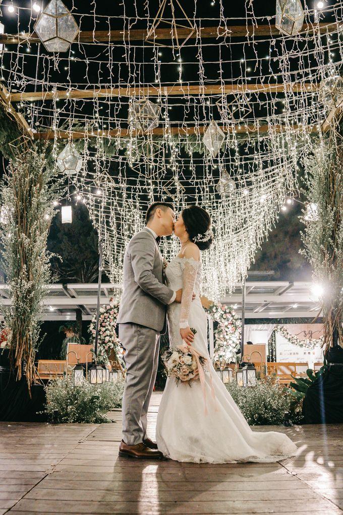 The Wedding of Stephan & Gabby by Elior Design - 008