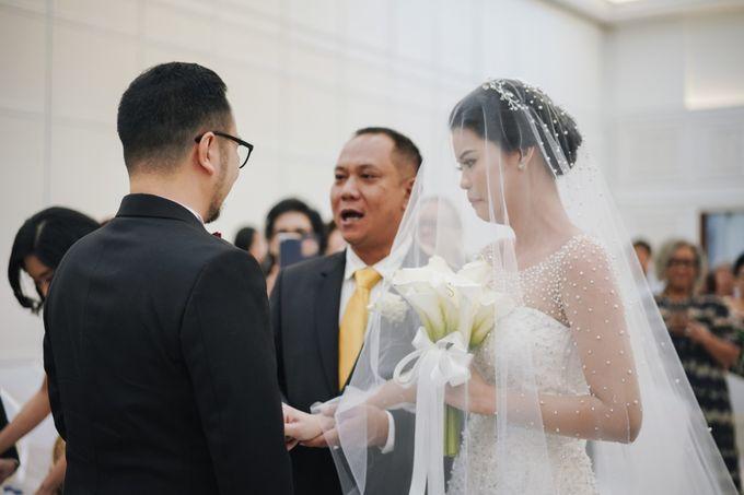 Holy Matrimony Moment at Menara Mandiri by  Menara Mandiri by IKK Wedding (ex. Plaza Bapindo) - 003