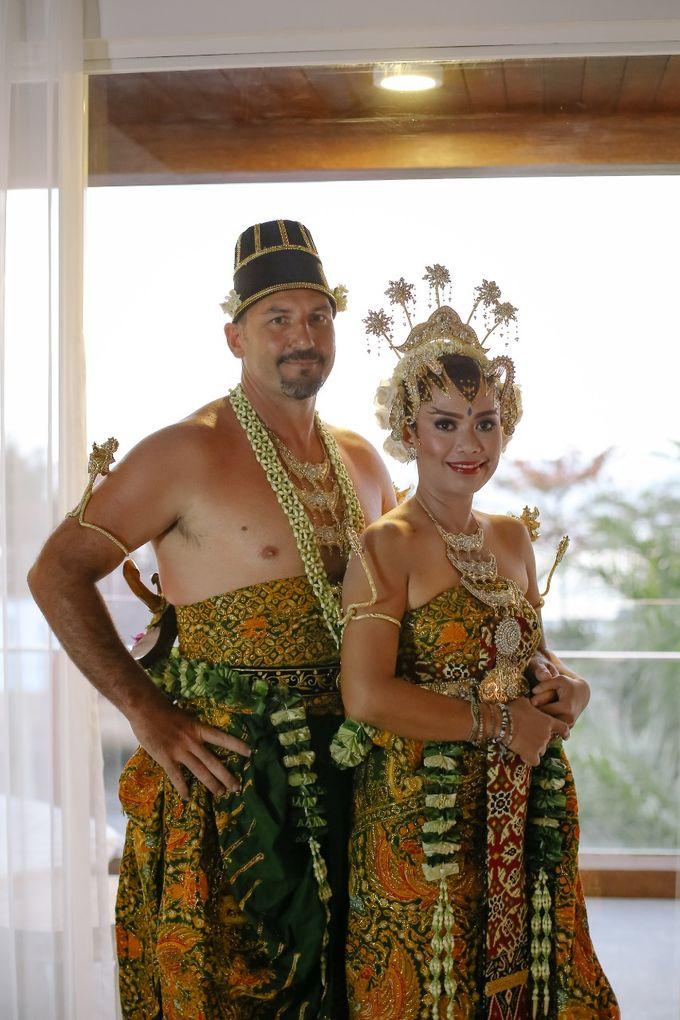 Chad and Lia Wedding by Jimbaran Bay Beach Resort and Spa - 008