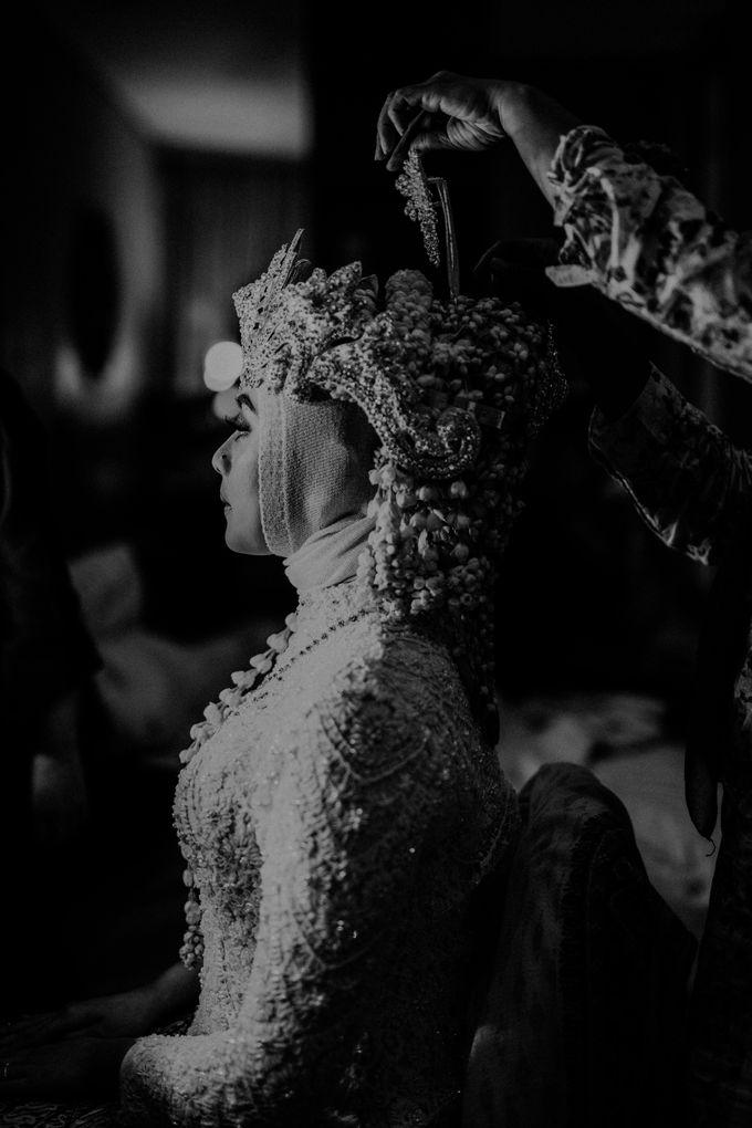 Dheafina & Nur Wedding at Azila Villa by AKSA Creative - 009