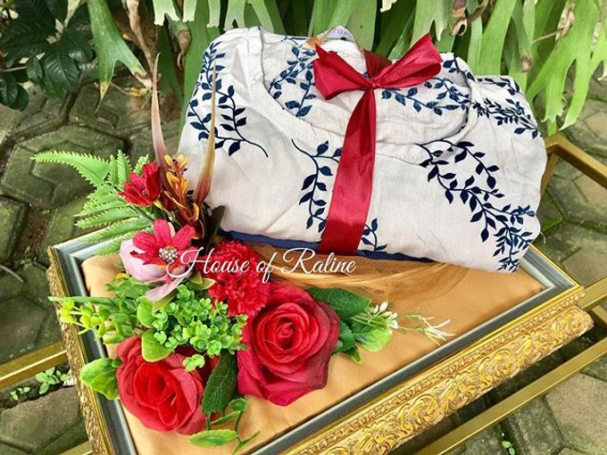 Red Roses by House of Raline Wedding Hampers - 008