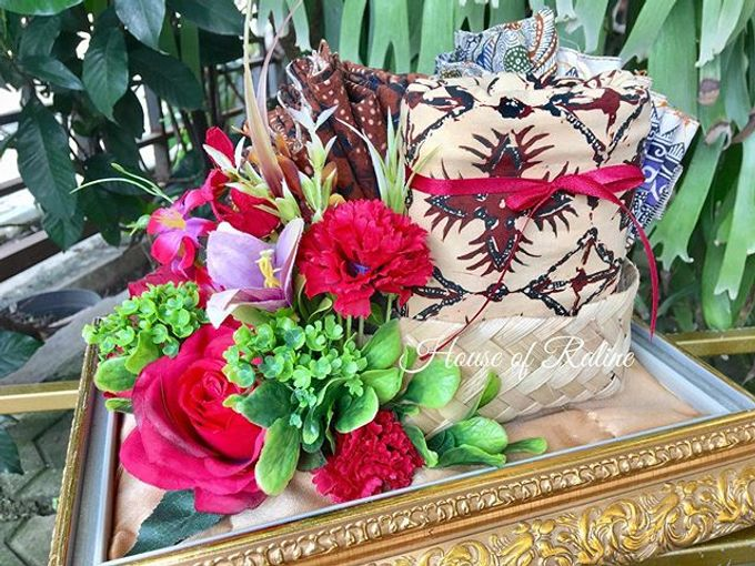Red Roses by House of Raline Wedding Hampers - 001