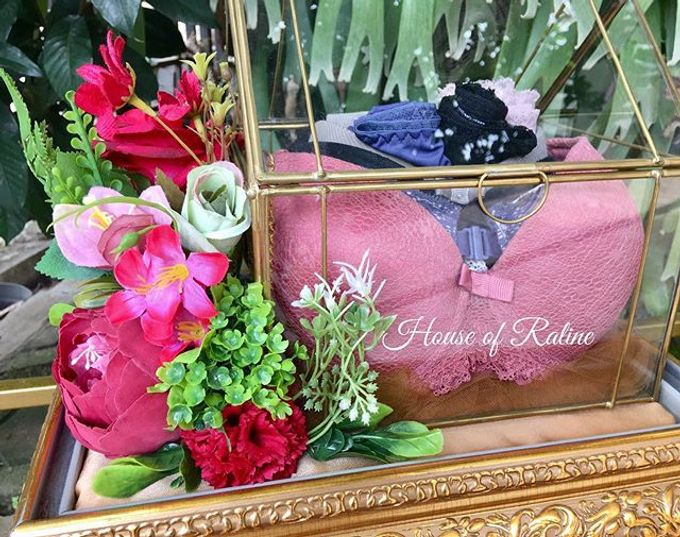 Red Roses by House of Raline Wedding Hampers - 009