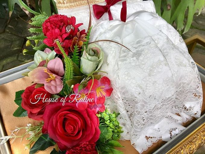 Red Roses by House of Raline Wedding Hampers - 006