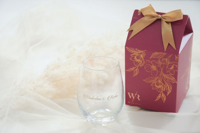 Windeston & Rizka by Red Ribbon Gift - 001
