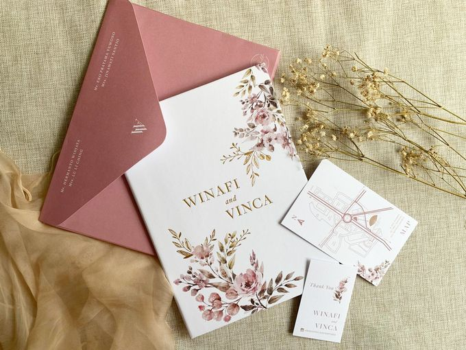 Modern Floral by Trouvaille Invitation - 008
