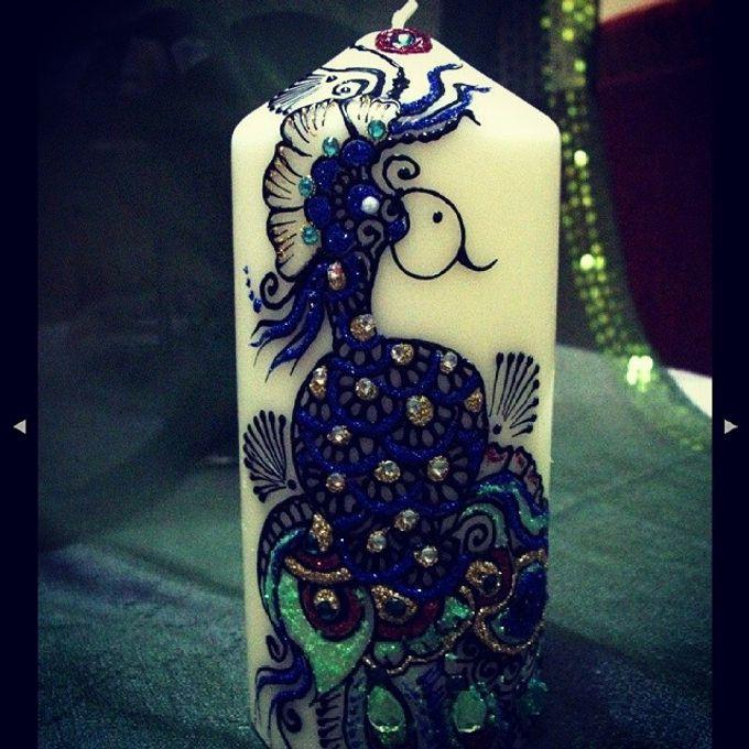 Decorative candles and canvas  by Nakreze Mehndi - 024