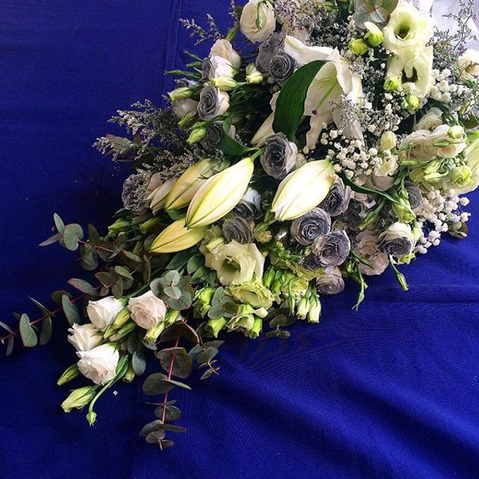 Bouquets  by Weddings by TV - 023