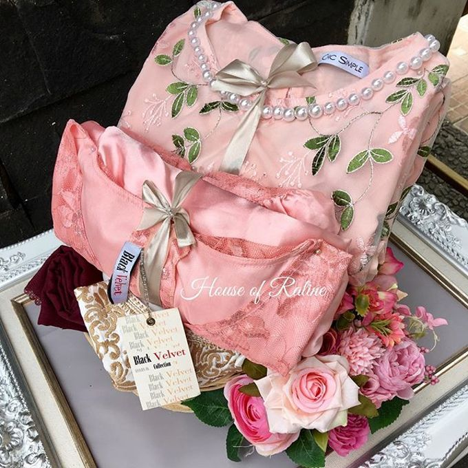 All Pink by House of Raline Wedding Hampers - 009