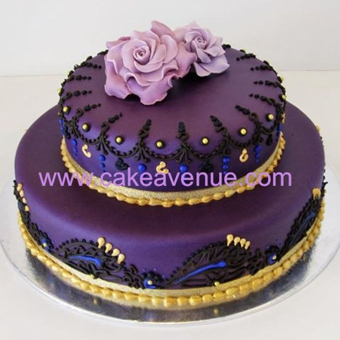 Contemporary Customised Wedding Cakes by Cake Avenue - 007