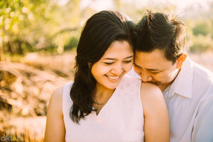 Engagement // prewedding Hendra & Dimitry by diktatphotography - 008