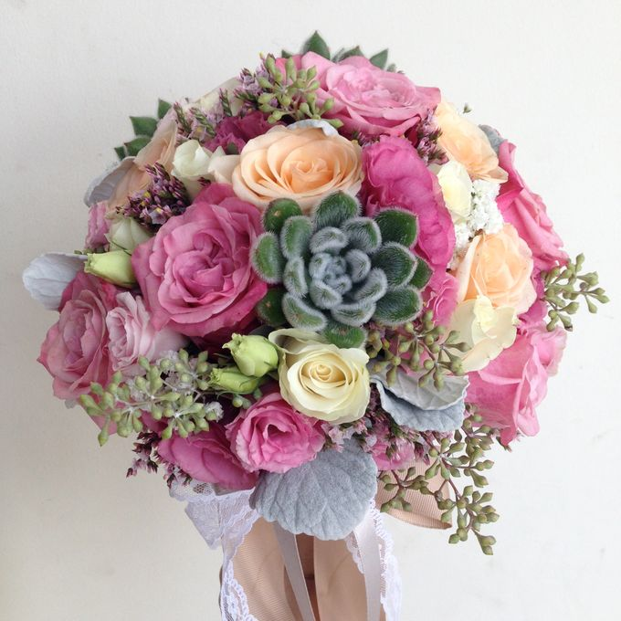Wedding Bouquet by Jasmine Florist - 004