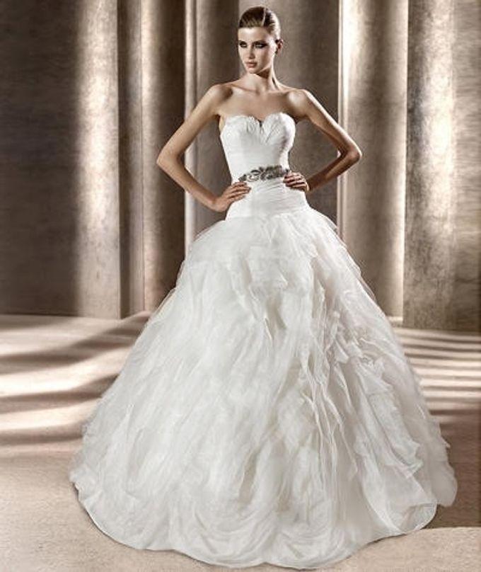 Wedding gown ready stocks by De Reina Bridal - 001