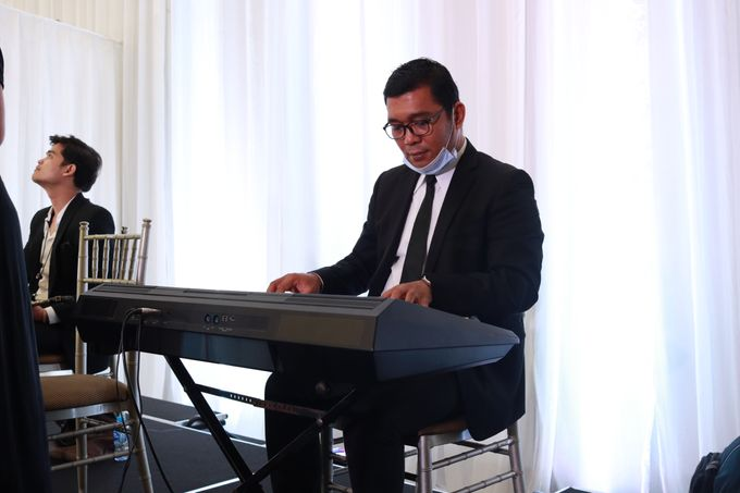 New Normal Wedding Jazz Entertainment at Sheraton Jakarta - Double V entertainment by LeNovelle Cake - 014