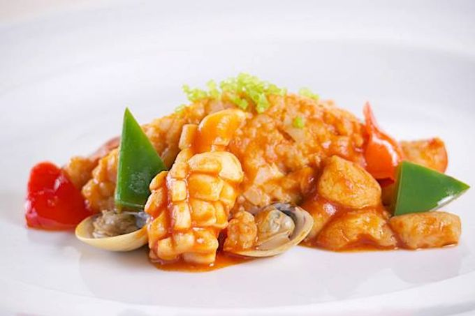 Hizon Catering Entree Sampler by Hizon's Catering - 005