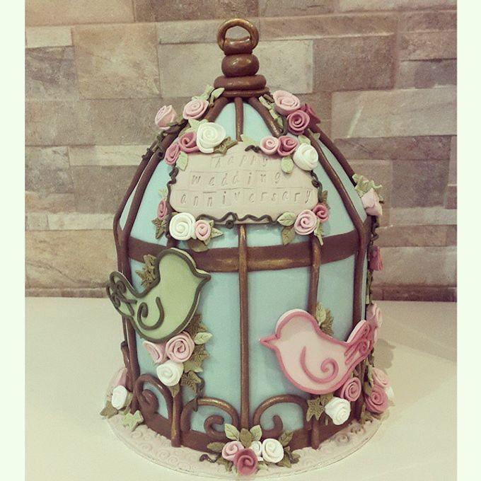 Anniversary Cake for Fira & Ichan by Rolling Pin Sugar Art - 001