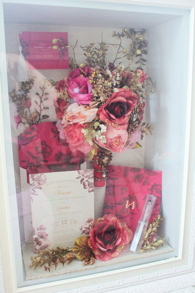 Frame Bouquet by Cup Of Love Design Studio - 011