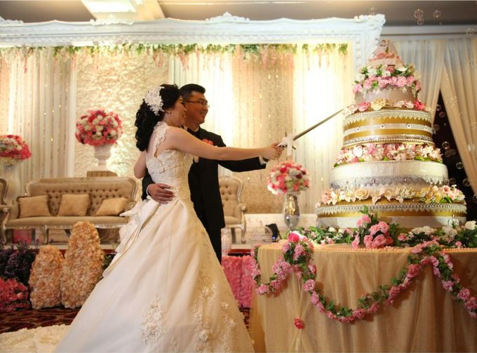 The Wedding of Herianto & Yunita by JULIANA DECOR - 005