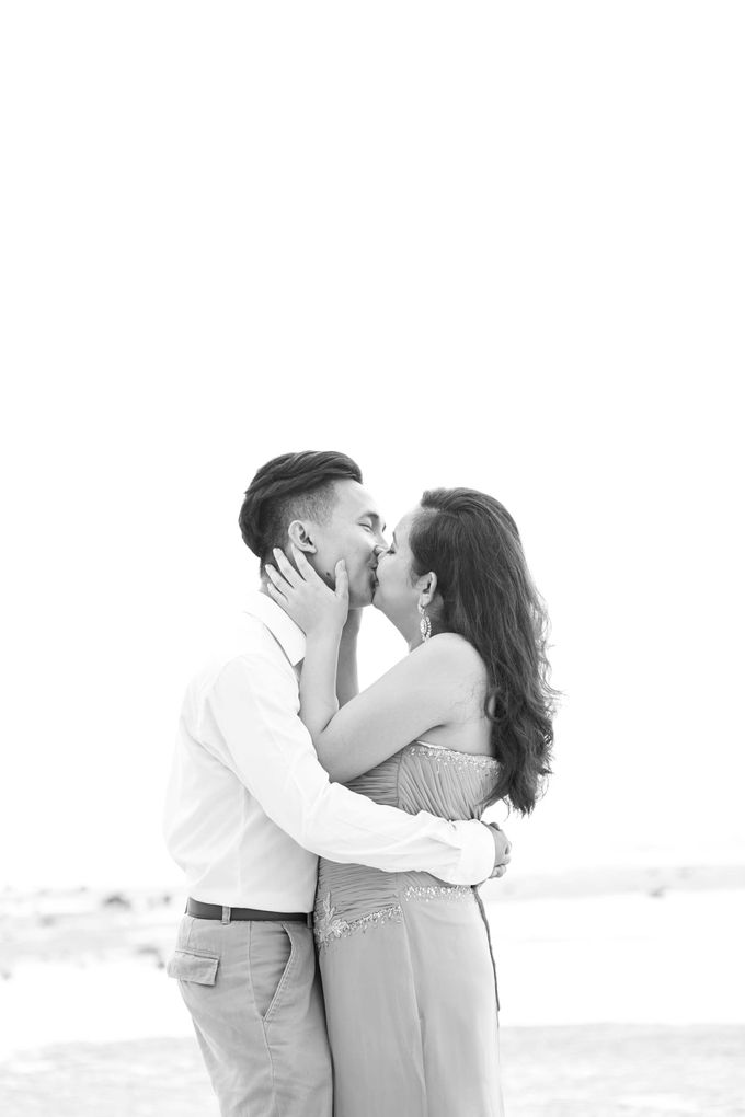 Awe and Cecel Engagement Session by Capturing Smiles Photography - 017
