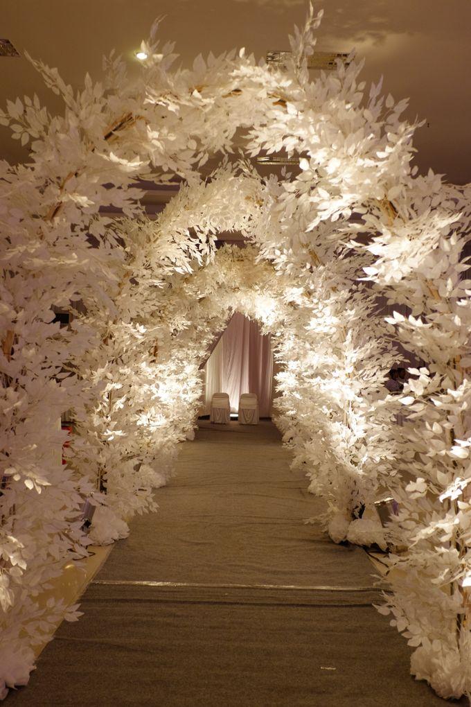 Winter Romantique by Fuchsia Decoration - 003