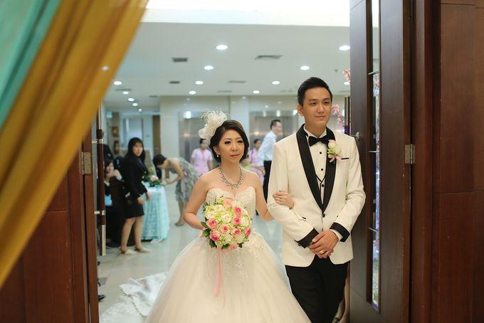 THE WEDDING OF DERWIN & JURIE / 27.09.14 / GEDUNG KOMPAS GRAMEDIA by AS2 Wedding Organizer - 004